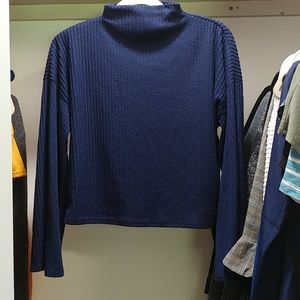Low cow-neck long sleeve top